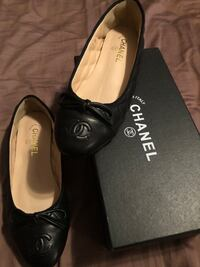 Chanel quilted flats size 7 Washington, 48094