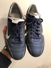 Nike shoes size : 6 Gatineau, J8Y 6X4