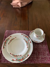Poinsettia & Ribbons 16 pc. Porcelain Holiday dinnerware set (6 sets) Westminster, 80030