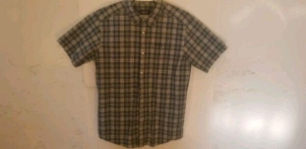 Men's large Patagonia button-up collared short sle dd67c235-4ae1-4970-a9fe-cc001afd75ae