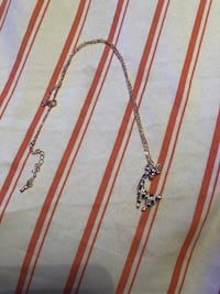 Giraffe necklace  714 mi
