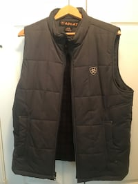 Large Ariat insulated vest North Richland Hills, 76180