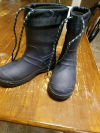 pair of black leather boots Harrisburg, 28075