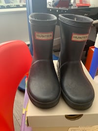 Toddler hunter boots size 6 North Vancouver, V7P 3E5