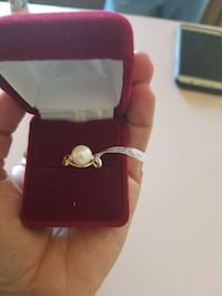 silver band pearl ring in box Sierra Vista, 85650