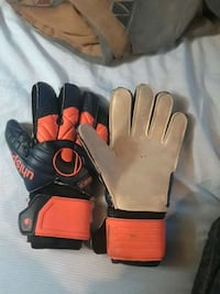 pair of black-and-red gloves 1306 km