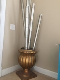 brass-colored garden urn Indianapolis, 46220