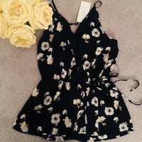 Women's Floral Tank - Size Small 34 km