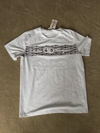white crew-neck t-shirt Burlington, L7M 4Y8