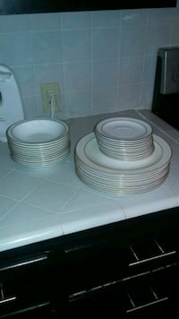 white ceramic plates and bowls Bakersfield, 93308