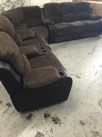 Fully reclining huge 7 person sectionals with built in cup holders! Tukwila, 98188