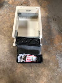 LITTERMAID SELF CLEANING LITTER BOX