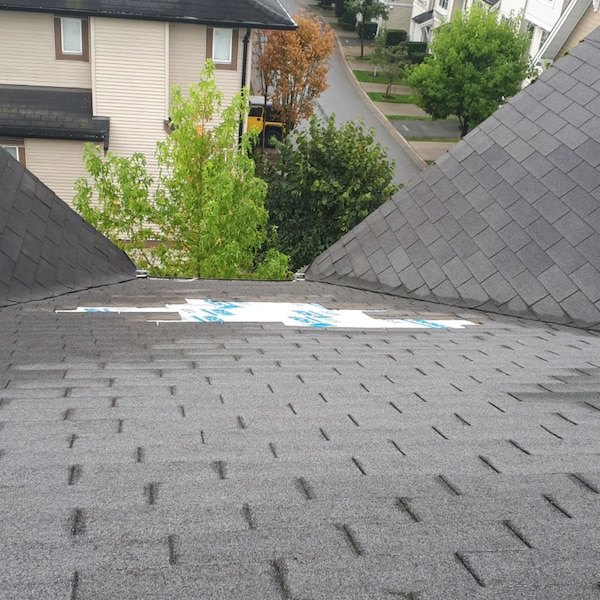 Roof repair  Ontario, GTA 9e732667-1023-437a-8013-ad2457f2de67