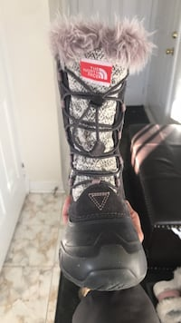 North face boots girls size 1 Vaughan, L6A
