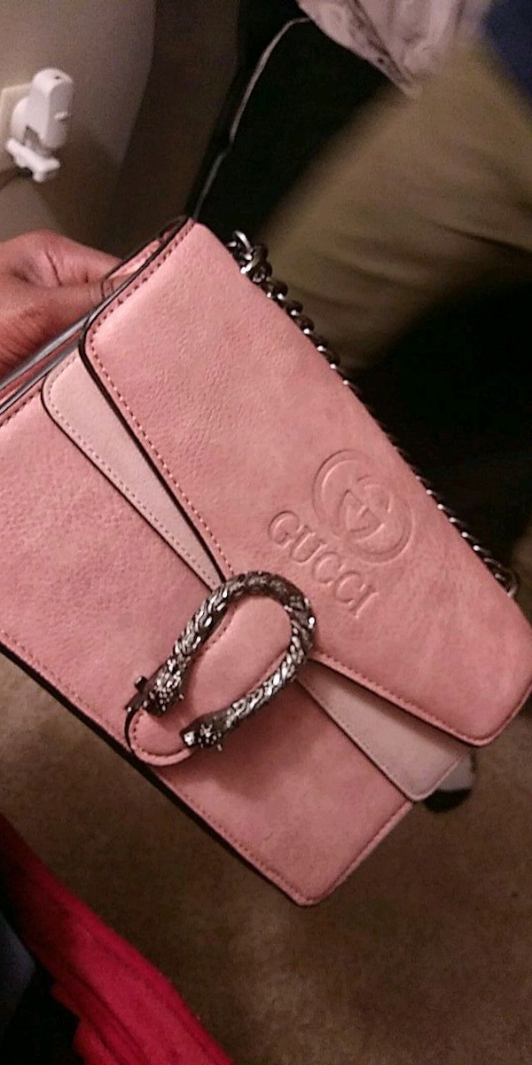 e58e1fcc2aaf5b Used women's pink leather Gucci sling bag for sale in Marietta - letgo