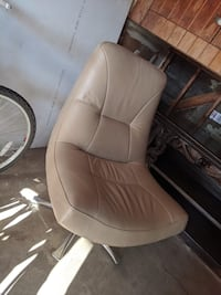 Leather mid century modern chair San Clemente, 92672