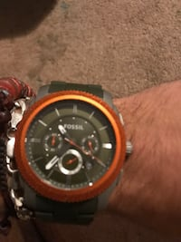 Round black and red chronograph watch fossil Hammonton, 08037