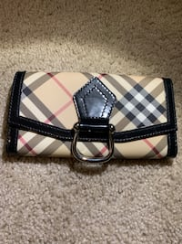 Burberry wallet Washington, 20016