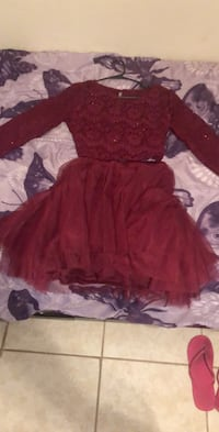 Dress 90 or better offer size 11/12 only worn once Las Vegas, 89121