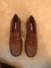 Pair of brown leather loafers Washington, 20001