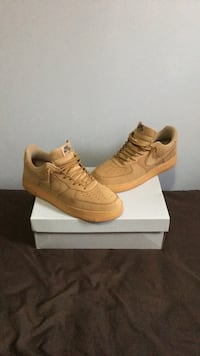 pair of brown Nike Air Force 1 low shoes 535 km