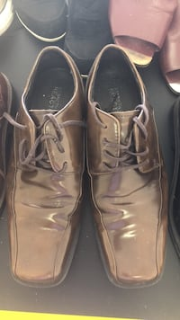 pair of brown leather dress shoes Clearwater, 33767