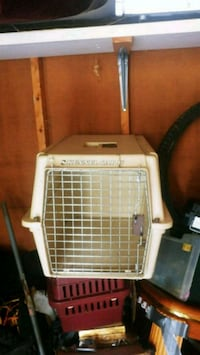 Large cat or small dog carrier Guelph, N1G 4J1