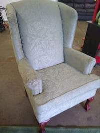 Nice wingback chair Akron, 44305