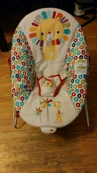 baby's white and red bouncer Toronto, M3H