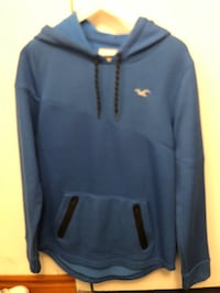 black Under Armour pullover hoodie 785 km