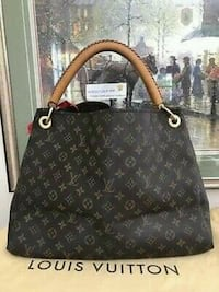 Louis Vuitton artsy Lexington, 40508
