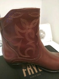 Women's boots  North Highlands, 95660