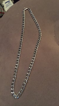 silver-colored cable chain link necklace with lobster claw clasp Edmonton, T5T 5Z7