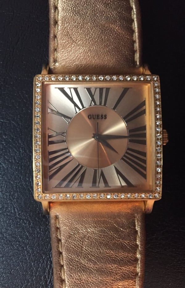 GUESS watch 173cfbc2-8d1d-4c29-b34e-3009808d592d