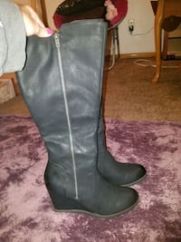 Womens Black Wedge Boots Size 9 Defiance, 43512