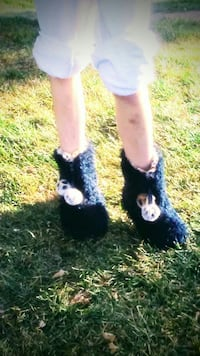 black fuzzy booties