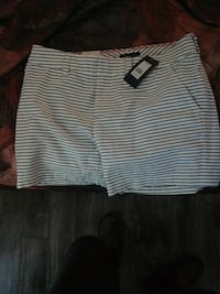 Hilfiger skirt size 10 London, N5W 5C6
