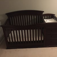 Baby Toddler Crib + Changing pad with drawers Silver Spring, 20902