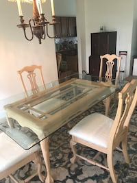Gorgeous dining set with 4 chairs Vero Beach, 32962