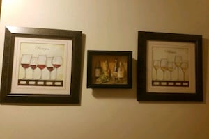 Set of kitchen wine frames and rugs