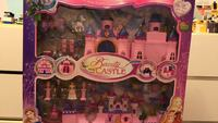 pink and purple castle toy Vaughan, L4H 0C9
