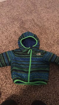 12 months reversible North Face Coat Oklahoma City, 73013