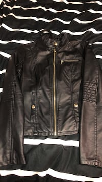 Guess leather jacket  Mississauga, L5M 8C5