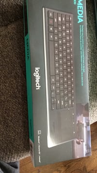 Brand New Wireless Keyboard with Built in Mouse - $60 Brampton, L6R