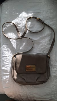 Marc jacobs cross body bag Vancouver, V6Z 1W5