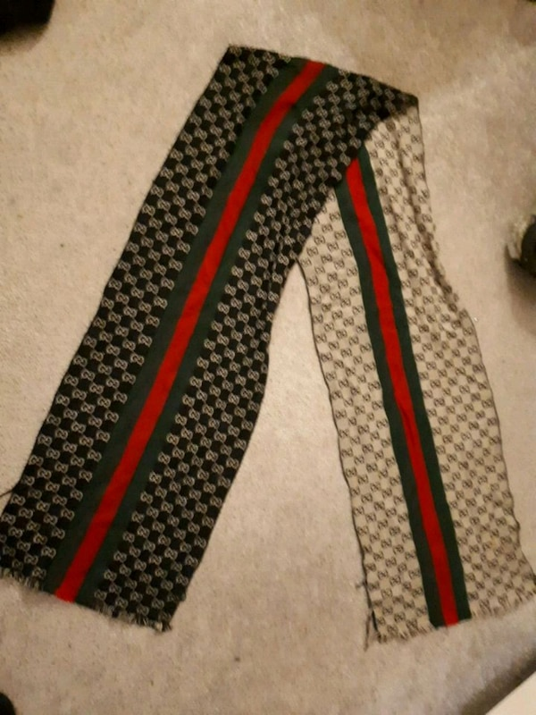a56c63bcee471 Used Reversible Gucci scarf for sale in Edmonton - letgo