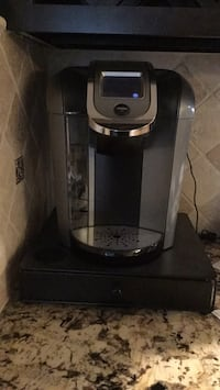 Keurig Coffee Maker K-cup 2.0 includes K- pod rollout holder/stand Springfield, 22151