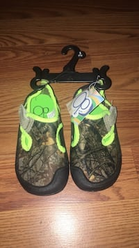 New toddler/kids size 5/6