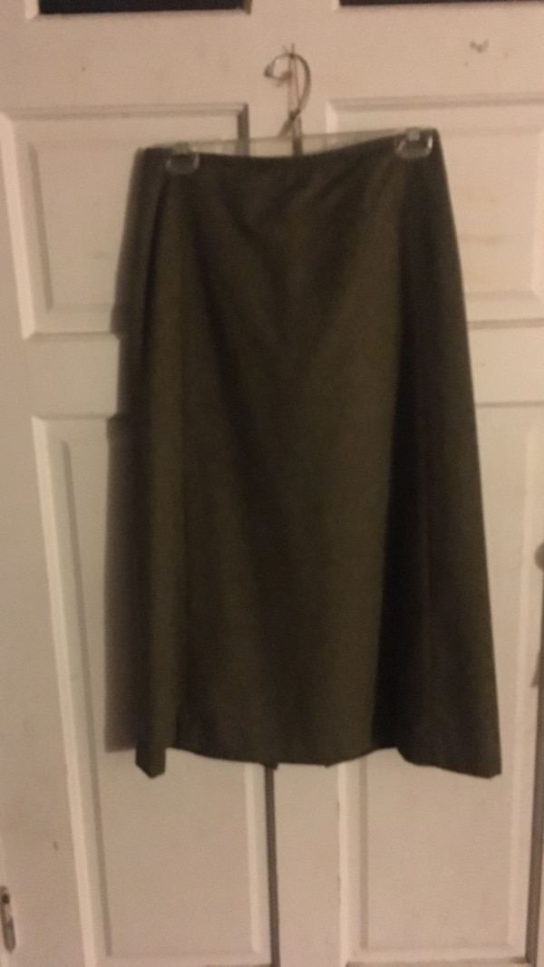 Women's dark green wool skirt