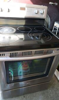 Maytag Electric Stove (Range) Chestermere